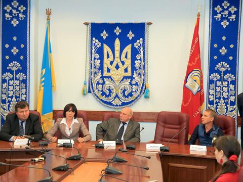 Українців запрошують до написання Всеукраїнського диктанту національної єдності