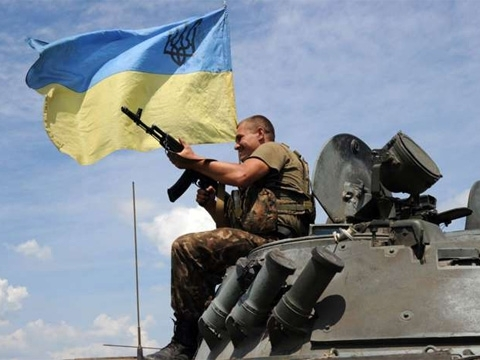 One Ukrainian soldier killed, two wounded in east Ukraine