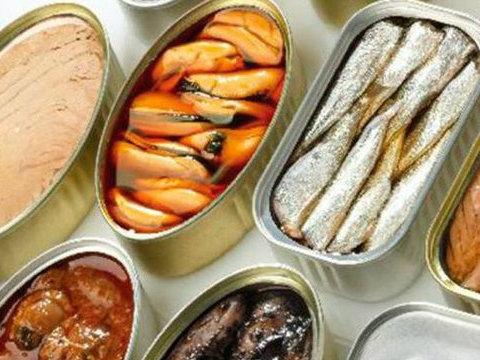 Держпродспоживслужба попереджає прикарпатців про підроблені рибні консерви