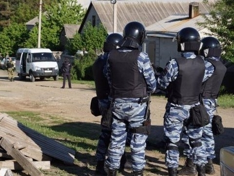 Crimean Tatars again searched, detained in Crimea